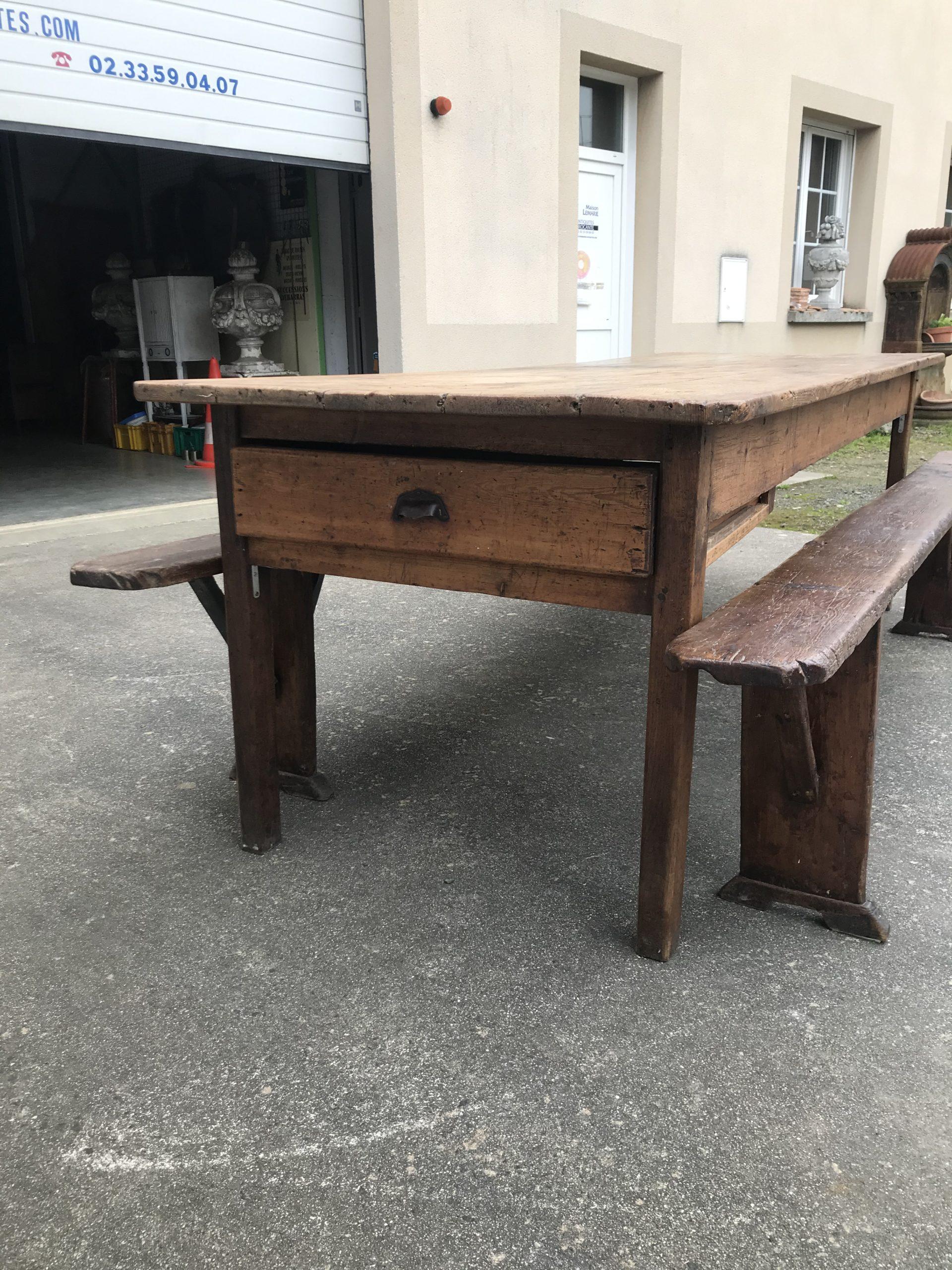 Ancienne table de ferme en sapin   Rennes Antiquités