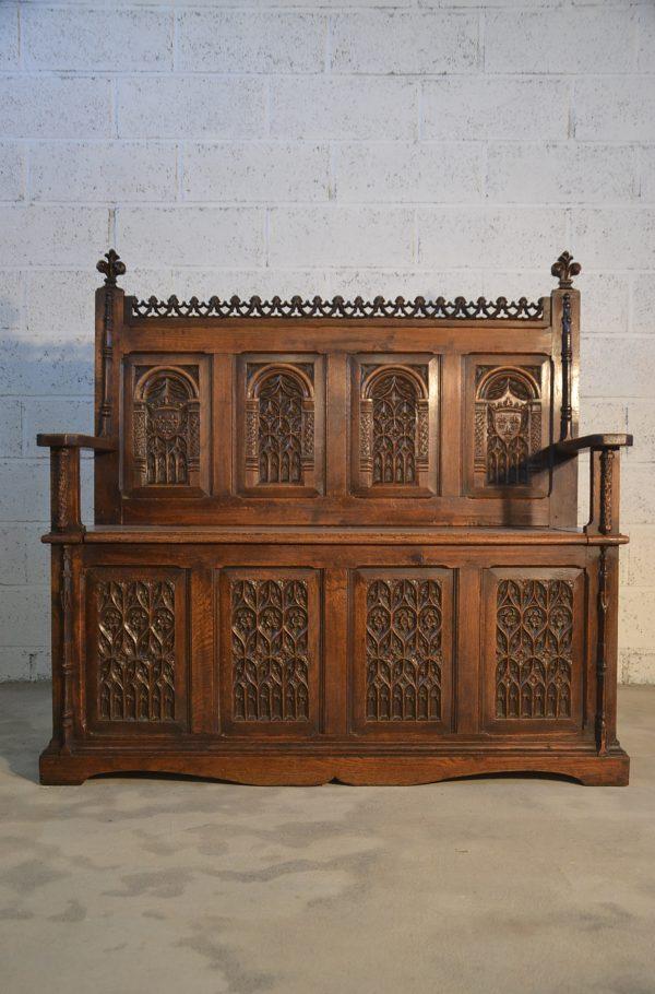 banc coffre gothique chêne xixème siècle néo-gothique fenestrages