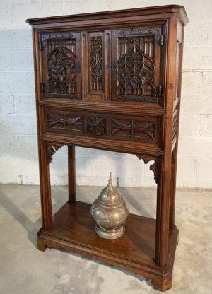 Crédence dressoir gothique chêne ancien sculpté massif bois