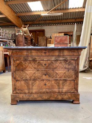 Commode Louis Philippe XIX 19 siècle marbre noyer doucine ancien bois tiroirs