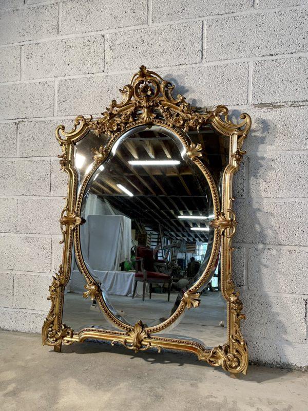 Miroir doré à parcloses ancien napoléon III 19ème siècle perles acanthe