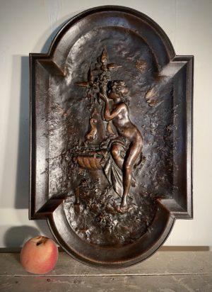 Panneau plaque bas relief bronze mathurin Moreau femme à la fontaine estimation