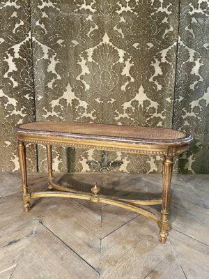 banquette de style Louis XVI en bois doré