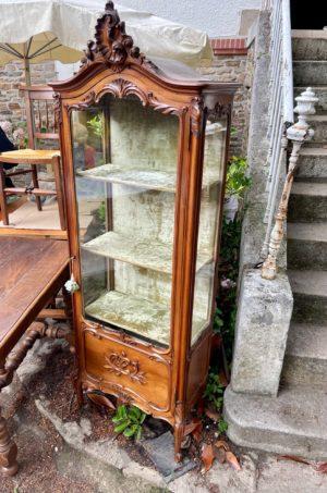 Vitrine Louis XV ancienne style rocaille acanthe coquille 1900 XXème XIXème 20ème 19ème siècle vitre carreau sculpté estimation